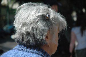 Gehören die grauen Haare bald der Vergangenheit an? (c) Pixabay.com
