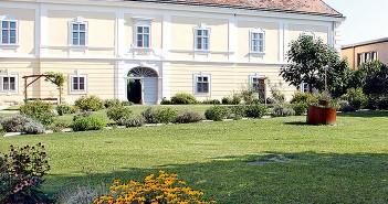 (c) Obenauf in Unternalb