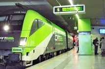 Ein City Airport Train in einer Station. (c) City Airport Train